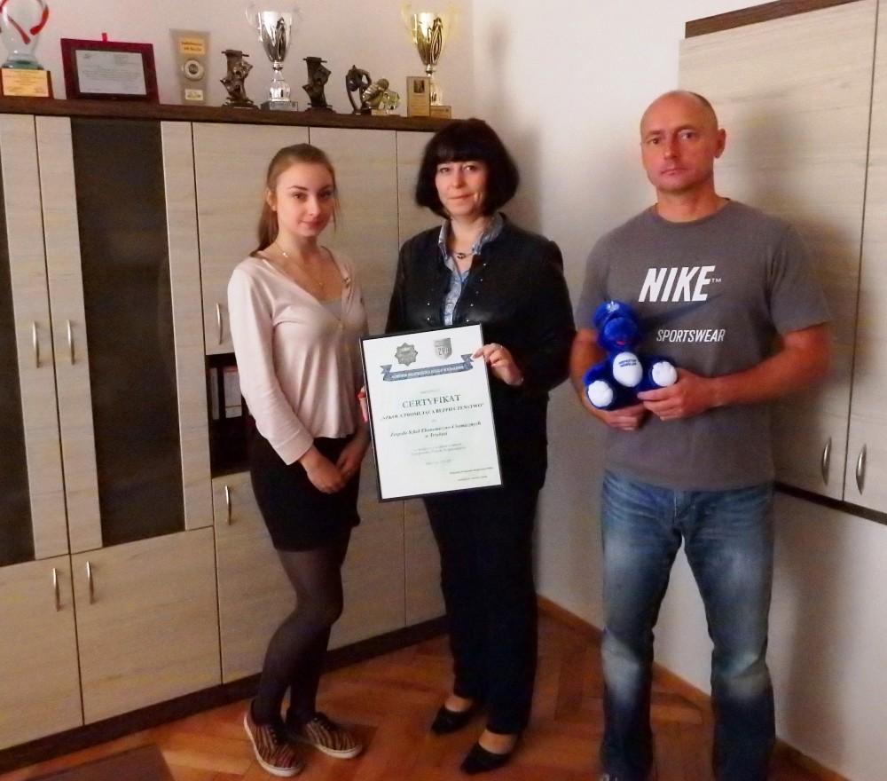 """Nasza szkoła otrzymała certyfikat """"Szkoła Promująca Bezpieczeństwo"""""""