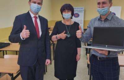 Nowe laptopy dla szkoły w ramach Małopolskiej Tarczy Antykryzysowej