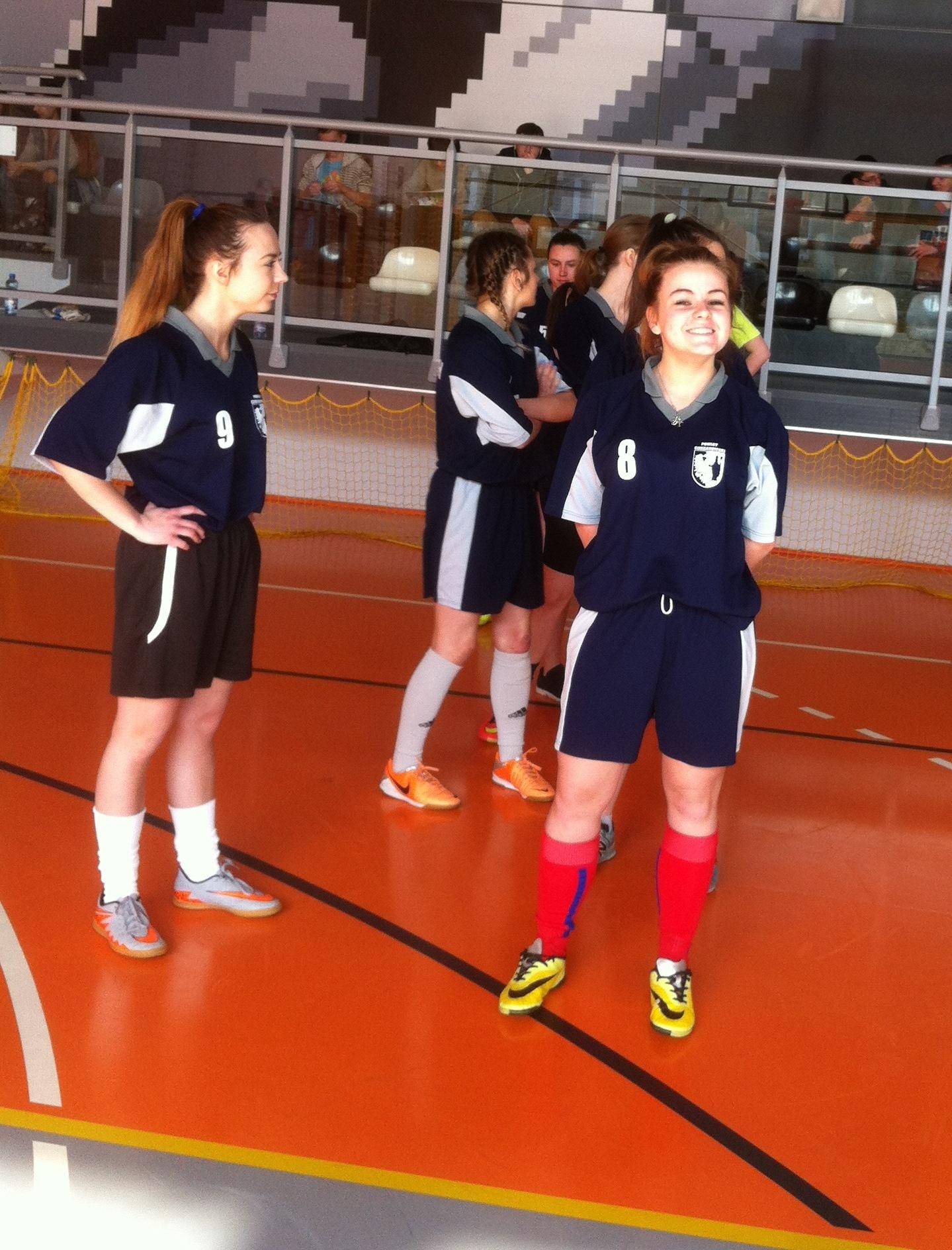 Powiatowe zawody w piłce nożnej halowej dziewcząt