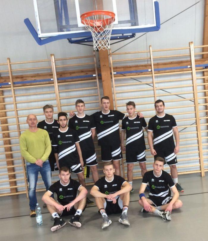 Zawody powiatowe w piłce koszykowej chłopców
